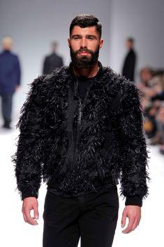 Male Fashion Trends: Nuno Gama Fall-Winter 2018 - Moda Lisboa Runway Show
