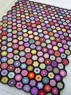 african flower blanket by riavandermeulen, via Flickr