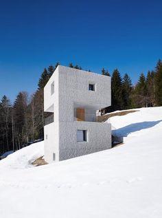 // Mountain cabin // marte.marte architekten www.marte-marte.com