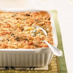 This rich, creamy side with its crunchy topping would make a wonderful dish to take to a Labor Day picnic or gathering. Sᴜᴍᴍᴇʀ Sǫᴜᴀsʜ Mᴜsʜʀᴏᴏᴍ Cᴀssᴇʀᴏʟᴇ. It would also go good with baked chicken, for supper. Find more Labor Day Side Dishes > http://www.tasteofhome.com/Recipes/Holiday---Celebration-Recipes/Labor-Day-Recipes/Labor-Day-Side-Dish-Recipes?keycode=ZFB0813HUB