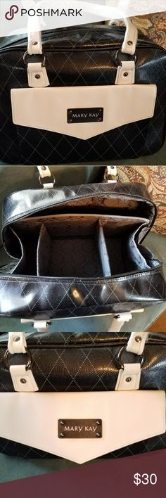 New Never Used Mary Kay Cosmetic Bag Large with removable sections; could easily be an overnight bag! Mary Kay Bags Cosmetic Bags & Cases
