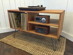 New mid century modern record player console stereo cabinet with LP album Furniture Modern Record Player, Record Player Console, Record Players, Stereo Cabinet, Record Cabinet, Rack Vintage, Diy Turntable, Vinyl Record Storage, Diy Cabinets