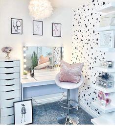 Teen Bedroom Designs, Room Ideas Bedroom, Bedroom Wall, Bedroom Decor, Ikea Bedroom, Bedroom Inspo, Bedroom Inspiration, Girls Bedroom, Bedrooms