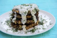 Enjoy these exceptionally delicious and fiber-packed zucchini fritters with a side of fresh dill and yogurt. Recipes With Few Ingredients, Zucchini Fritters, Fresh Dill, Quinoa, Yogurt, Waffles, Glow, Veggies, Healthy Recipes