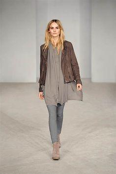 56 Best Marken Outlet Metzingen images   Clothing, Women s, Ladies ... d9a43909e1
