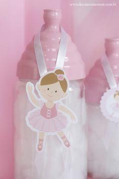 bbfea8f85 Festa tema Bailarina por Decore & Comemore Mesa decorada com papelaria  temática e peças de locação. Personagem no palito de bailarina.
