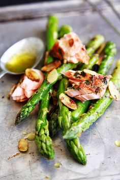 Salmon with Almonds and Asparagus #healthy #superfood #recipes
