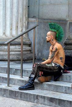 Punk Guys, 80s Punk, Punk Mohawk, Estilo Punk Rock, Dr. Martens, Mode Punk, Urban Tribes, Goth Music, Crust Punk