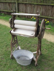 Victorian wooden roller mangle with adjustable tensioners at top and zinc drip pail in front Nostalgia, Nostalgic Images, Vintage Laundry, My Childhood Memories, Childhood Toys, Ol Days, My Memory, The Good Old Days, Old Pictures