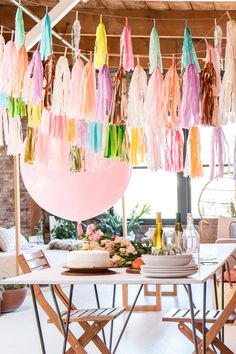 If you're throwing a party for New Year, making your own tassel garland is a fun and inexpensive way to dress up the party! Party Deco, Ibiza Party, Adult Birthday Party, Happy Birthday Decor, Happy Birthday Balloons, Tassel Garland, Colorful Party, Bridal Shower Decorations, Animal Party
