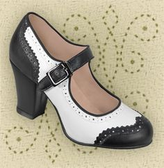 Aris Allen Black and White Heeled Wingtip Mary Jane Swing Dance Shoe 1940s Shoes, Vintage Shoes, Vintage Outfits, Cute Shoes, Me Too Shoes, Swing Dance Shoes, Dancing Shoes, Swing Dancing, Ballroom Shoes