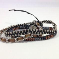 Bracelet  wrap entièrement fait main, tressé avec des perles, chaîne rhodium.