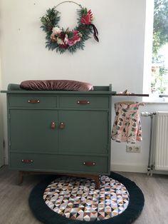 Upcycled Furniture, Painted Furniture, Retro Vintage, Baby Room, Nursery, Lightbox, Inspiration, Cabinet, Studio