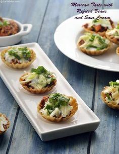 Mexican Tarts with Refried Beans and Sour Cream recipe, Mexican Recipes – Fishsea Food Vegetarian Mexican Appetizers, Vegetarian Snacks, Vegetarian Appetisers, Veg Appetizers, Canapes Recipes, Tart Recipes, Cooking Recipes, Cooking Tips, Dessert Recipes