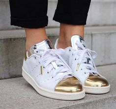 Metalic stan smith. Gold is life.