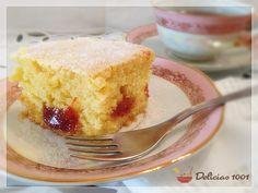 Este bolo eu já tinha feito aqui no Delícias1001 na versão cupcake. Já foi muito comentada, rodou o Facebook diversas vezes.Ainda mais assim, assado numa assadeira retangular, fica mais úmido e li…