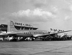 Our first four-engine pressurized plane allowed us to go further than ever before. In this Canadair North Star operated our first ever flight to Paris! Douglas Dc 4, Canadian Airlines, Flights To Paris, Air Transat, Jumbo Jet, Vintage Props, Commercial Aircraft, Vintage Travel Posters, Aviation
