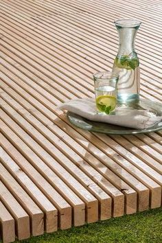 Long-lasting wooden terrace in one piece - Garten - Awesome Garden Ideas Small Terrace, Wooden Terrace, Wooden Decks, Terrace Garden, Garden Paths, Deck Design, Garden Design, Diy 2019, Diy Planters