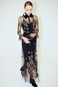 Alena Akhmadullina Fall 2017 Ready-to-Wear Fashion Show