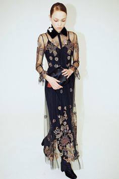 Alena Akhmadullina Fall 2017 Ready-to-Wear Fashion Show