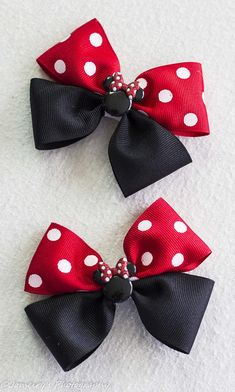 Minnie Mouse bow, Disney bow, Hair Clip, Minnie Bow, Toddler Bow Here we have a different take on our Minnie Mouse Bows. This is our Flat boutique style bow and would look adorable on any little Disney loving girl. With this listing you can chose the clip style and order either