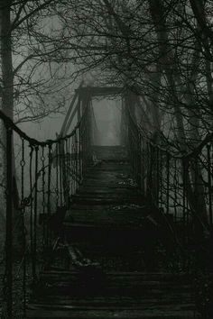 Spooky Places, Haunted Places, Abandoned Places, Abandoned Buildings, Images Terrifiantes, Dark Photography, Mysterious Photography, Horror Photography, Psycho Photography