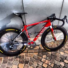 Canyon Ultimate CF SLX Ducati style for Luca Paolini from Katusha Team Cycling Art, Cycling Bikes, Road Cycling, Fixed Gear Bicycle, Bicycle Race, Canyon Bike, Classic Road Bike, Pro Bike, Push Bikes