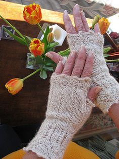 New knitting mittens pattern fingerless mitts hand warmers Ideas Knitting Patterns Free, Free Knitting, Crochet Patterns, Free Pattern, Knitting Ideas, Crochet Ideas, Crochet Gloves Pattern, Mittens Pattern, Crochet Lace