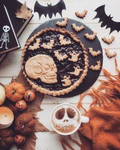 Holidays Halloween, Halloween Treats, Halloween Art, Halloween Stuff, Pumpkin Leaves, Fun Cooking, Cooking Recipes, Pumpkin Spice, Pumpkin Cookies
