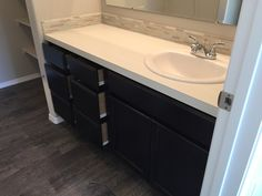 CBH Homes standard master bathroom cabin configuration on Arden 1415 when sink is offset