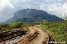 http://www.globosapiens.net/data/gallery/ke/pictures_468/kenya--rift-valley--60690.jpg