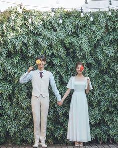 Pre Wedding Poses, Wedding Picture Poses, Pre Wedding Photoshoot, Korean Wedding Photography, Vintage Couple Photography, Prenuptial Photoshoot, Foto Wedding, Civil Wedding Dresses, Couple Photoshoot Poses