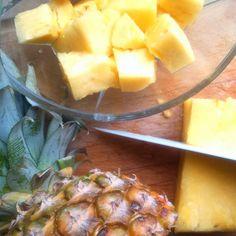 "29 Synes godt om, 3 kommentarer – Christine (@christineboegh) på Instagram: ""Mouth-watering moment 🍍💋 . . . #pineapple #pineapplelove #fruitilicious #fruit #gofruityourself…"""