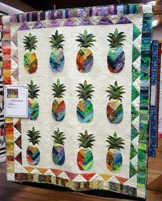 Saw a similar quilt in a Hawaiian quilt shop.....beautiful.