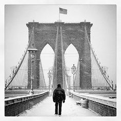 The #BrooklynBridge in a #snowstorm. #blizzard2016 #NewYork #picoftheday