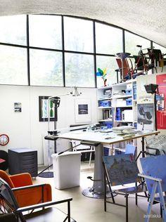 Ateljee Kukkapuro, Yrjö Kukkapuro's studio. Photo by Heidi Strengell, from Avotakka magazine 8/2012.