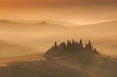Toscana sunrise Canon 5d4+16-35 f4is #genexgear #androidcases #iphonecases #iphone7cases