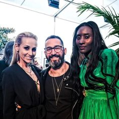 Such a wonderful night supporting my friend and amazing photographer @neumanvision for his POP DEPRESSION exhibition featuring @iggypopofficial and @queensofthestoneage with my beautiful wife @monikafreeman and my sister @khadijaneumann