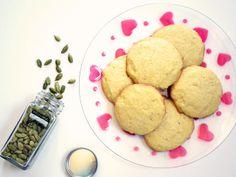 Bolinhos de Farinha de Milho com Cardamomo // Cardamom Cornmeal Cookies