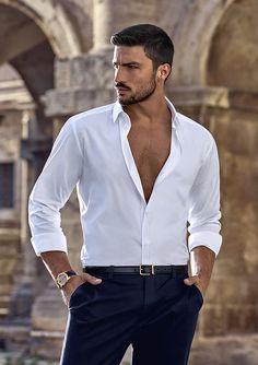 Mariano Di Vaio, el hombre que ha conquistado a Dolce & Gabbana (y al mundo) Beautiful Men Faces, Gorgeous Men, Italian Men, Stylish Mens Outfits, Casual Outfits, Photography Poses For Men, Well Dressed Men, Attractive Men, Haircuts For Men