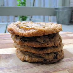Home Made Chocolate Chip Cookies Make Chocolate Chip Cookies, Chocolate Chip Oatmeal, Oatmeal Cookies, Yummy Treats, Yummy Food, Yummy Recipes, Baked Goods, Tasty, Sweets
