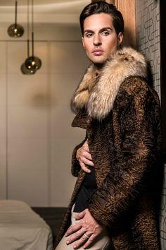 """Con Javy Martín """"El nuevo valor"""". Entrevista a un GUAPO #modelo #masculino: http://lookandfashion.hola.com/aloastyle/20140107/javi-martin-el-nuevo-valor-entrevista-a-un-modelo-masculino/ #lookandfashion #Hola #HolaModa #HolaFashion ♥"""