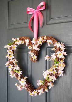 Pretty in Pink Valentine Wreath | AllFreeHolidayCrafts.com