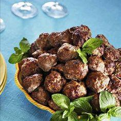 Tsäpäkät lihapullat Finland Food, Food And Drink, Healthy Recipes, Healthy Food, Meat, Baking, Dinner, Vegetables, Drinks