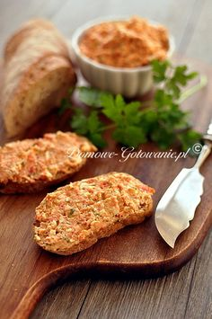 Paprika-Feta-Aufstrich - New Site Cheese Appetizers, Vegan Appetizers, Appetizer Recipes, Chutneys, Food N, Food And Drink, Sandwich Vegan, Snacks Für Party, Vegetable Drinks