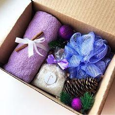 Сделан на заказ В наборе: -полотенце -соль для ванны -мочалка -декор (+коробка) _______________________ По всем вопросам и заказам direct / WA +7913-027-46-04 #подарочныйнабор #подарочныйбокс #боксвподарок #дляпраздника #box #giftbox #подарочныйбокс22 #барнаул #подаркибарнаул