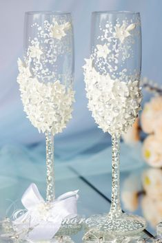 Winter Wedding, WHITE & PEARLS Wedding glasses from the collection Art Flowers/Pearls Wedding//White Wedding/Personalized Glasses /2 pcs