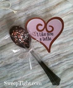 Cute Valentine's Day printable and how-to make chocolate dipped spoons