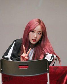 SinB G Friend, My Best Friend, South Korean Girls, Korean Girl Groups, Pink Hair, Red Hair, Baby Jessica, Sinb Gfriend, Role Player