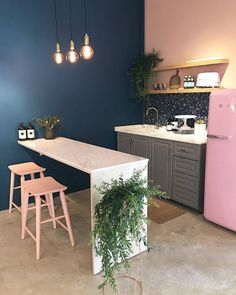 The 50 greatest small kitchen design ideas for your tiny space 4 Kitchen Interior, Home Interior Design, Kitchen Decor, Interior Decorating, Fridge Decor, Küchen Design, House Design, Design Ideas, Home Kitchens